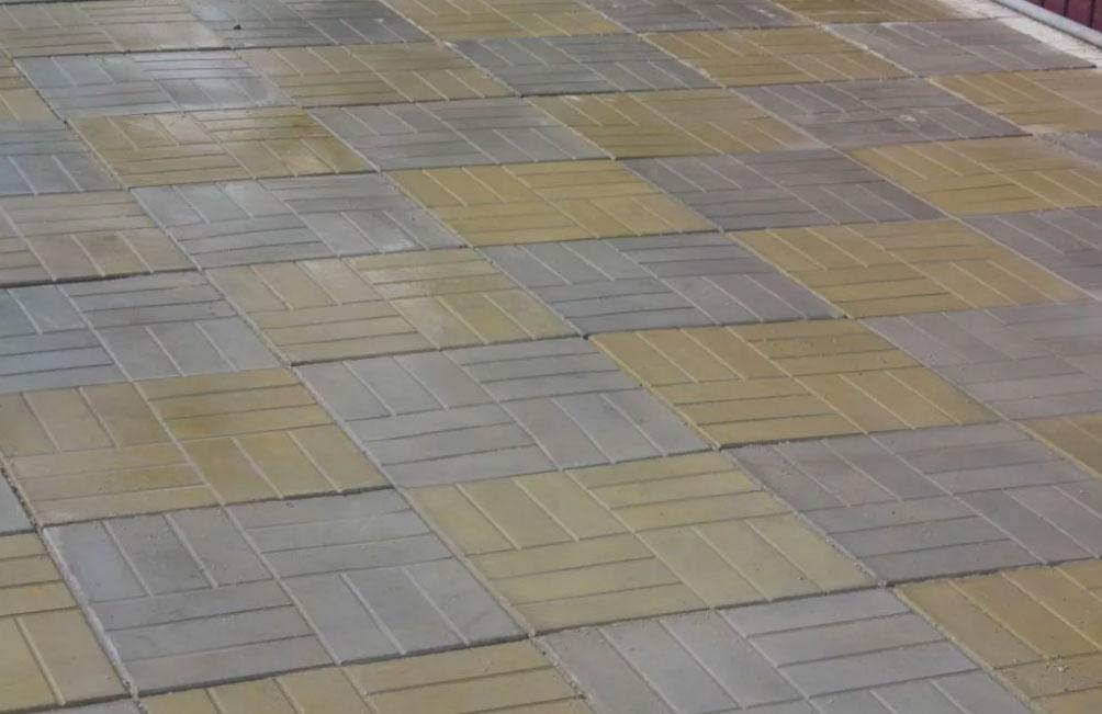 12 кирпичей - вибролитая тротуарная плитка