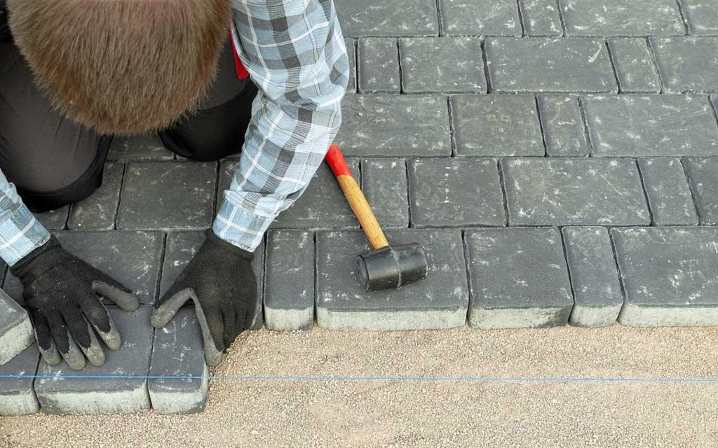 Укладка тротуарной плитки
